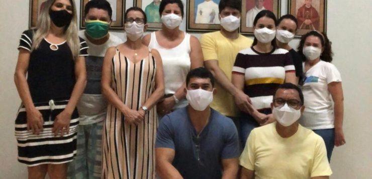 """Grupo """"amigos do bem"""" realiza trabalho social em Iporá"""