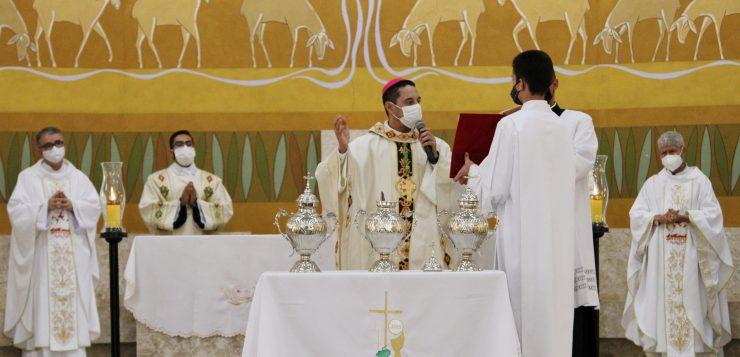 Dom Lindomar Rocha preside Missa dos Santos Óleos
